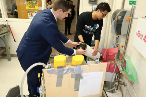 Mechanical Engineering Heat Transfer students prepare for competition